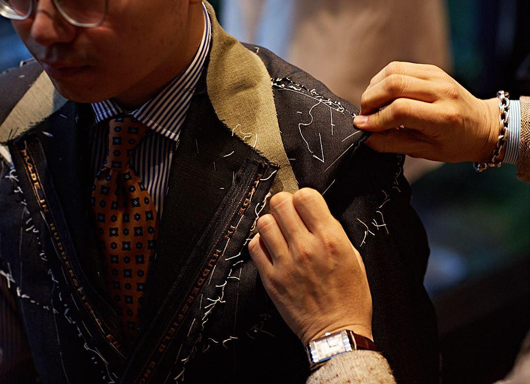 ิbespoke suit fitting